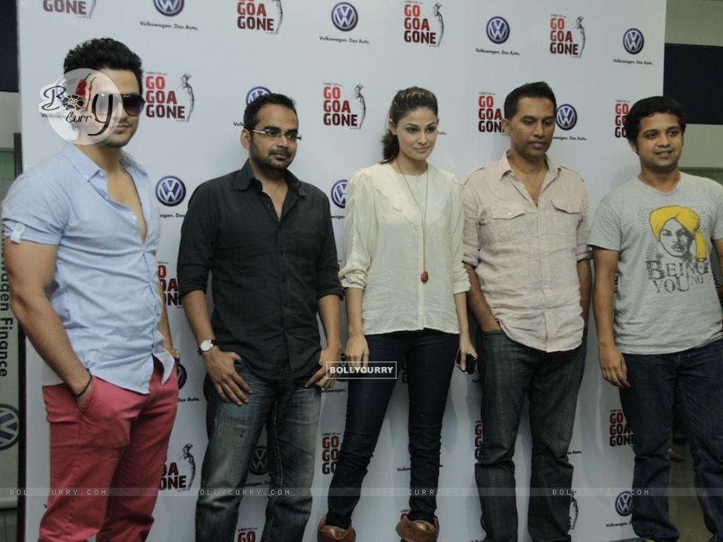 Kunal Khemu and Pooja Gupta promoting Movie Go Goa Gone (211526) size:1024x768