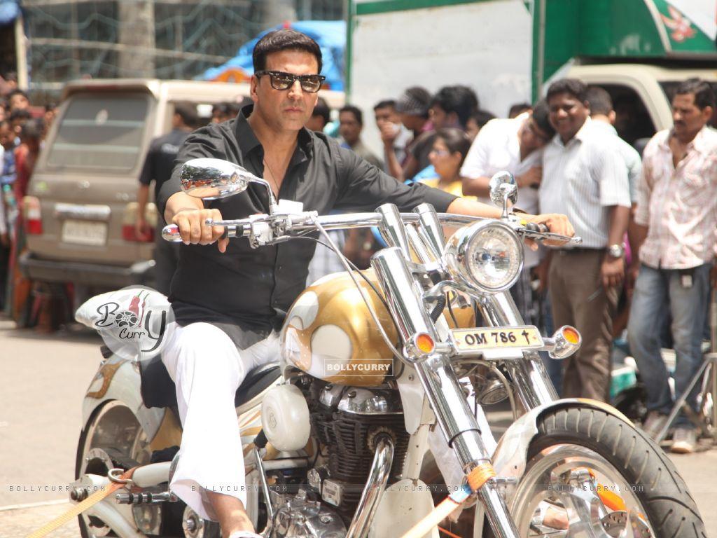 Divine Bike For Akshay Kumar In OMG Oh MyGod (221954) size:1024x768