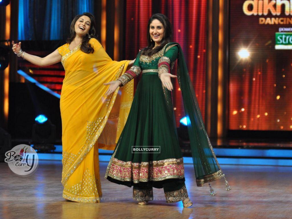 wallpaper - madhuri dixit and kareena kapoor at film promotion
