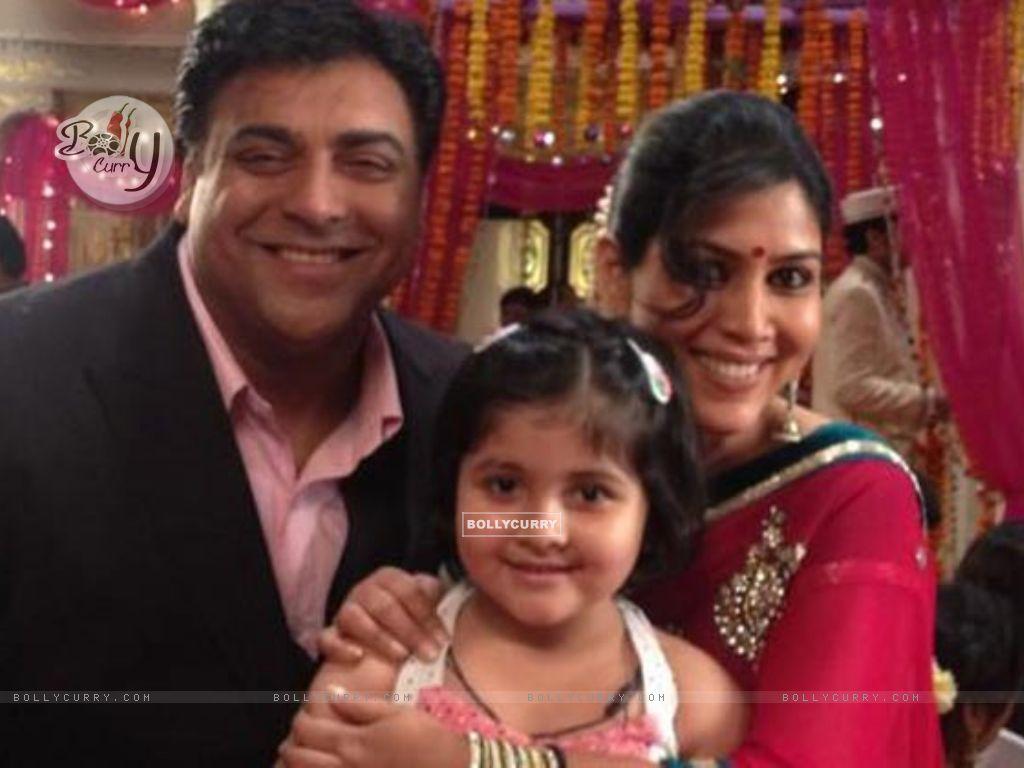 Ram, Priya and Pihu (227790) size:1024x768