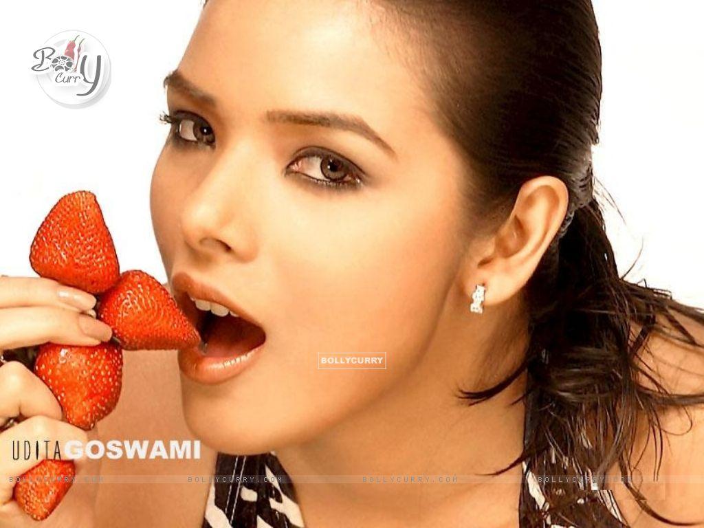 Bollywood Actress Hot Wallpapers Photos Udita Goswami Hot