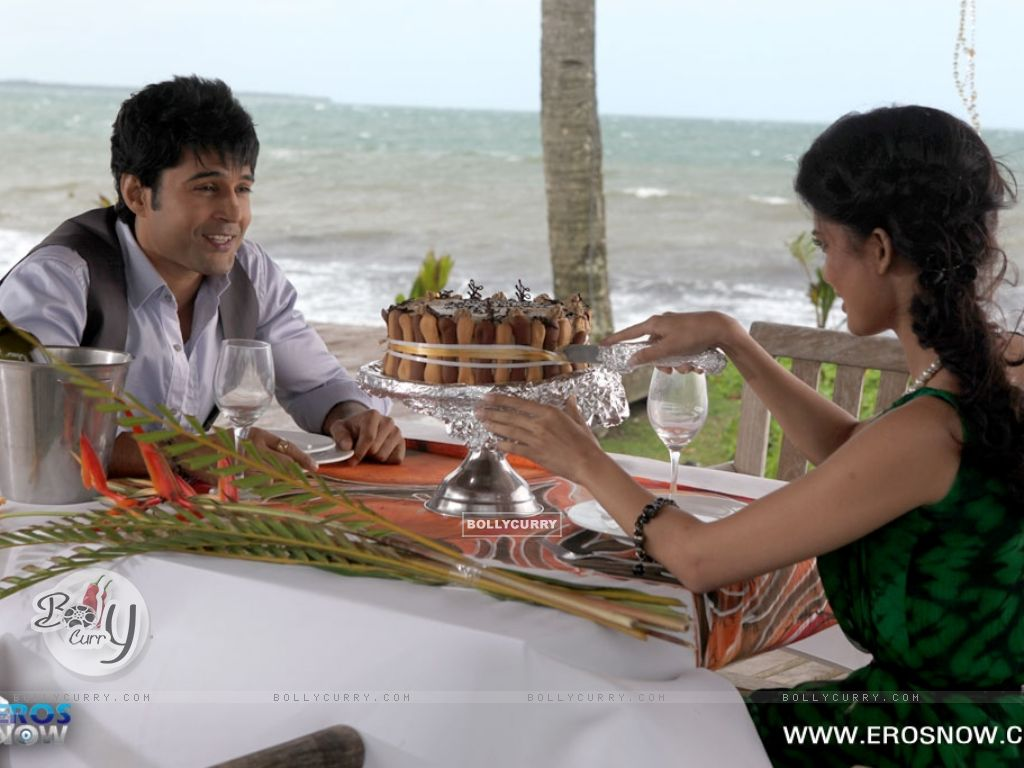 Wallpaper a still of tena desae with rajeev khandelwal for Table no 21 movie