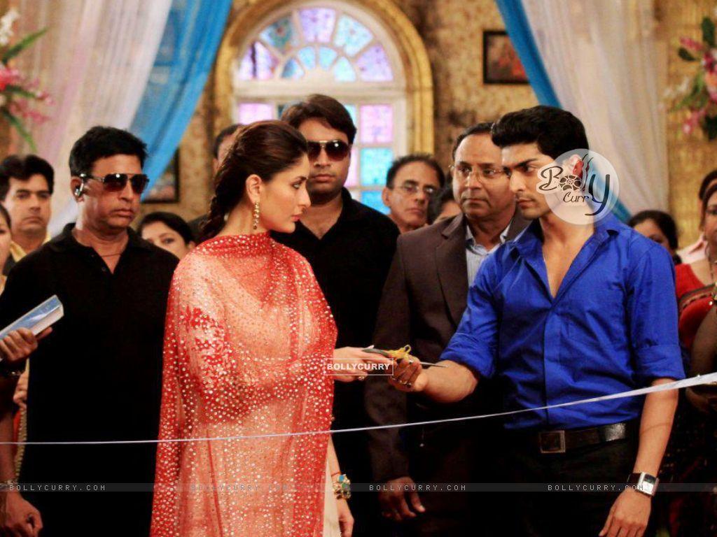 Gurmeet Choudhary and Kareena Kapoor (292961) size:1024x768