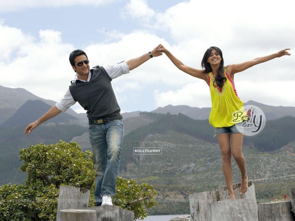 Fardeen Khan and Genelia Dsouza in Life Partner | Genelia ... Genelia D Souza In Life Partner