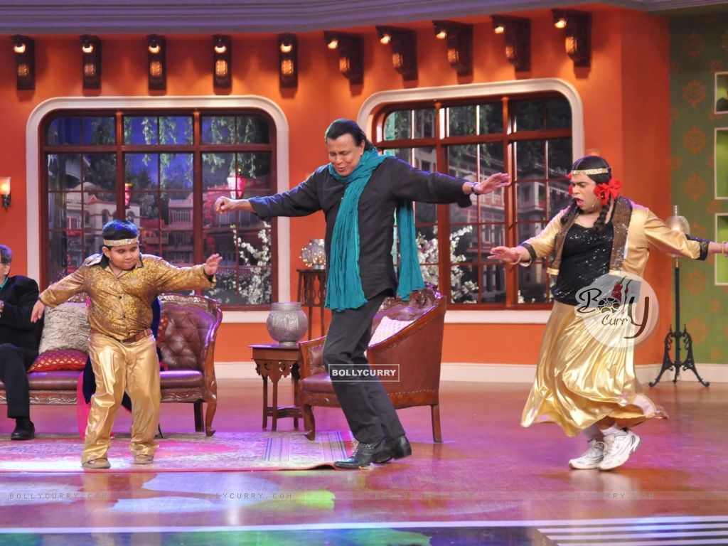 Mithun performs On Comedy Nights With Kapil (317424) size:1024x768