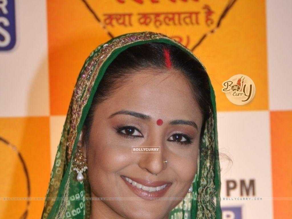 Lata Sabharwal in YRKKH (32618) size:1024x768