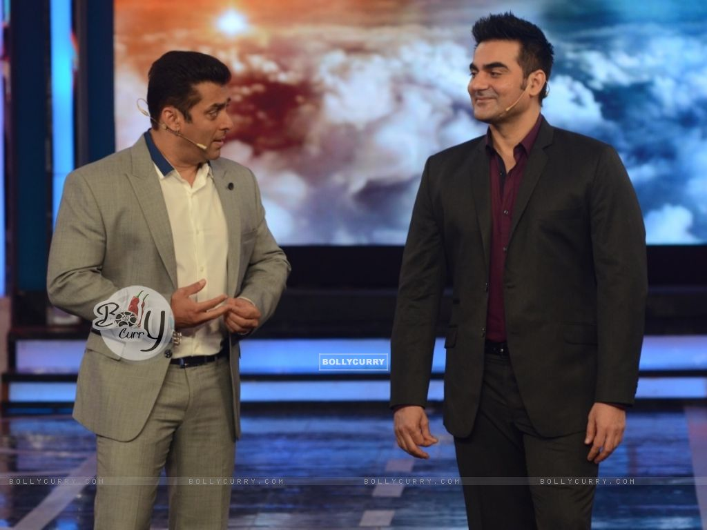 Salman Khan and Arbaaz Khan in Bigg Boss 8 (348469) size:1024x768