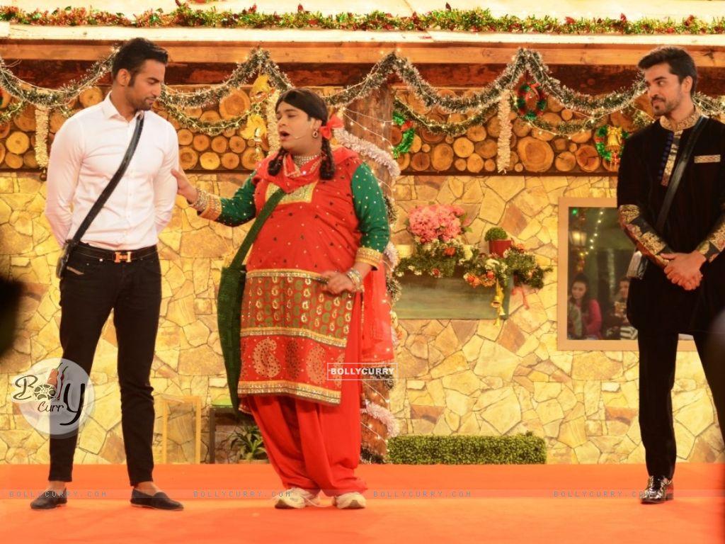 Kiku Sharda aka Palak performs an act inside Bigg Boss 8 House (350330) size:1024x768
