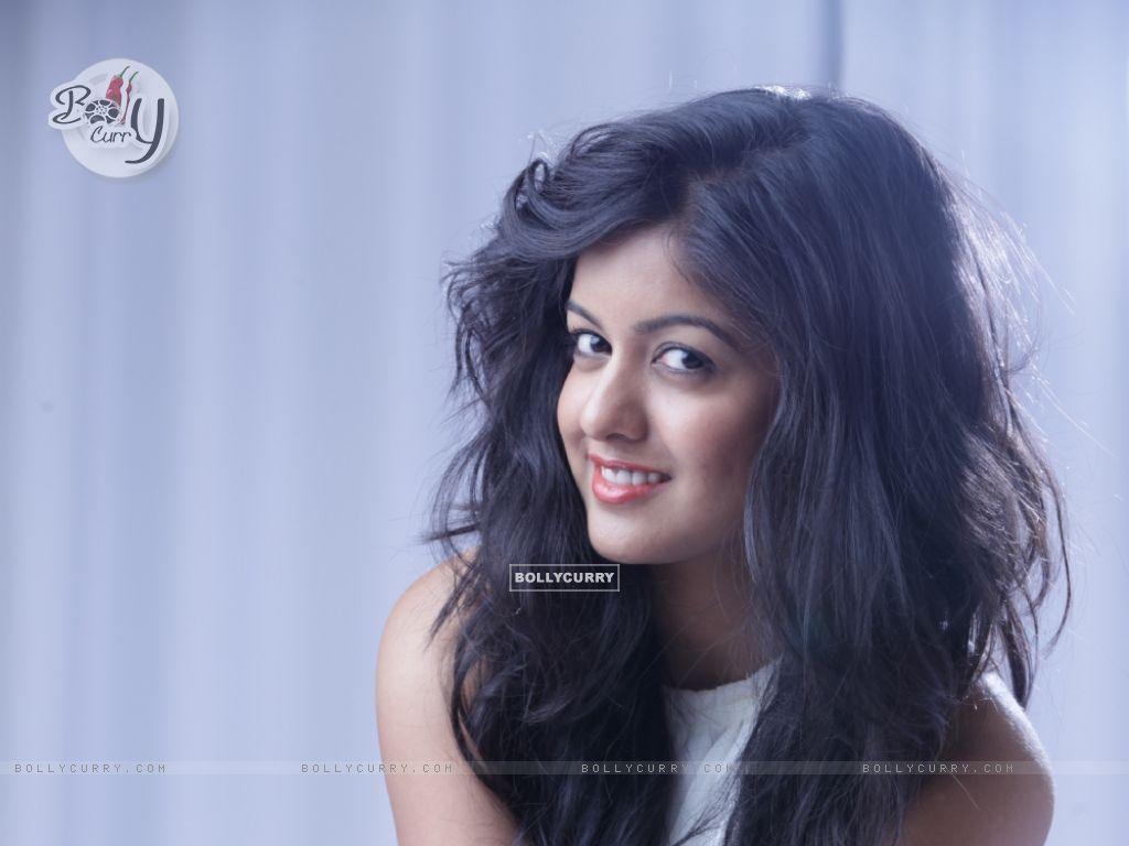 Ishita Dutta (371062) size:1024x768