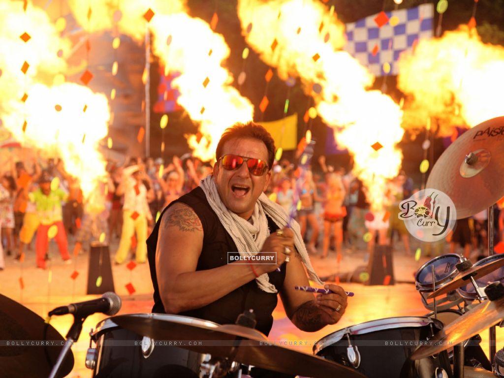 Sanjay Dutt Playing music instrument (37848) size:1024x768