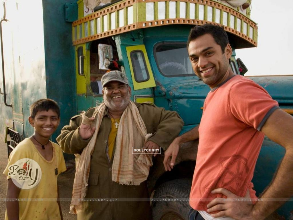 Abhay Deol and Satish Kaushik (38018) size:1024x768