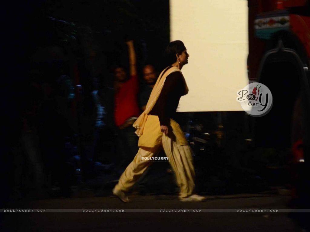 Kareena Kapoor  on Location of Udta Punjabb (382241) size:1024x768