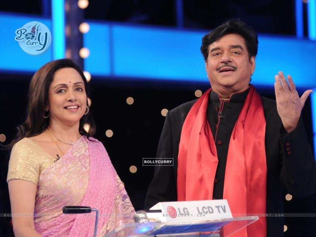 Shatrughan Sinha and Hema Malini in 10 Ka Dum (38557) size:1024x768