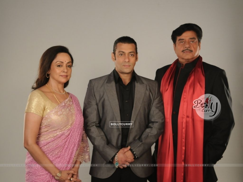 Salman Khan with Hema Malini and Shatrughan Sinha (38558) size:1024x768
