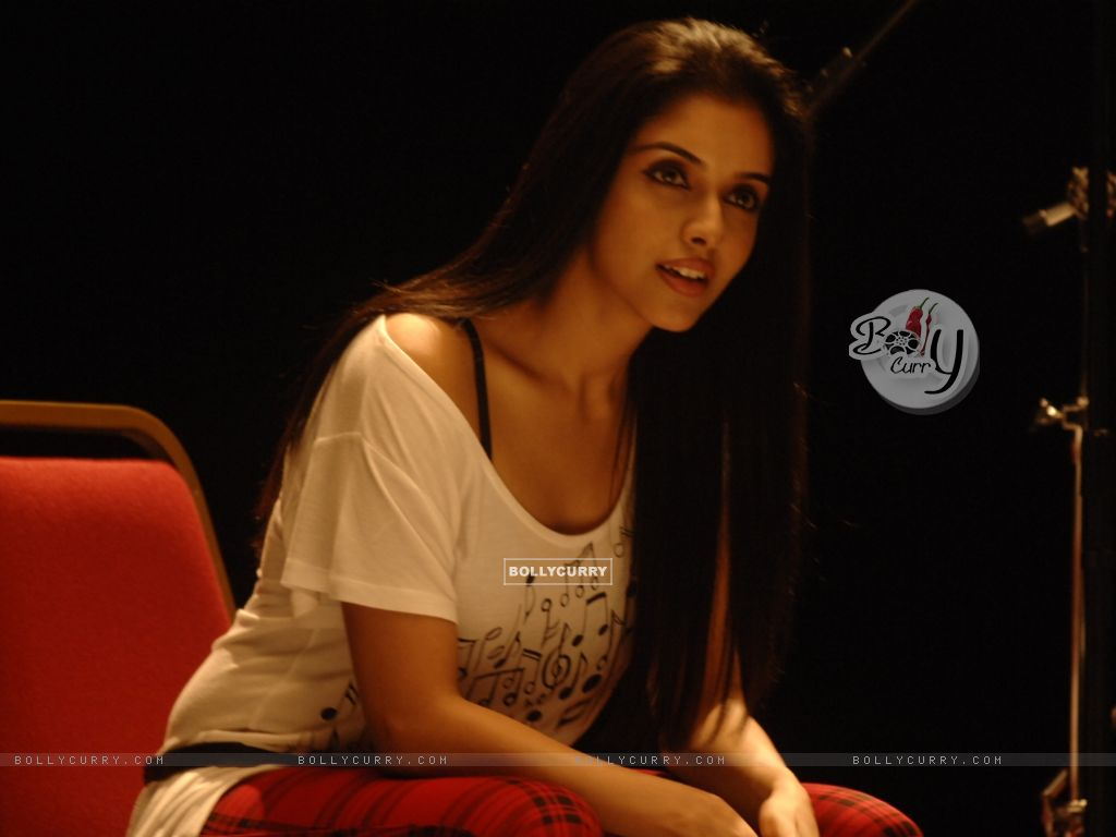 Asin looking gorgeous (38594) size:1024x768