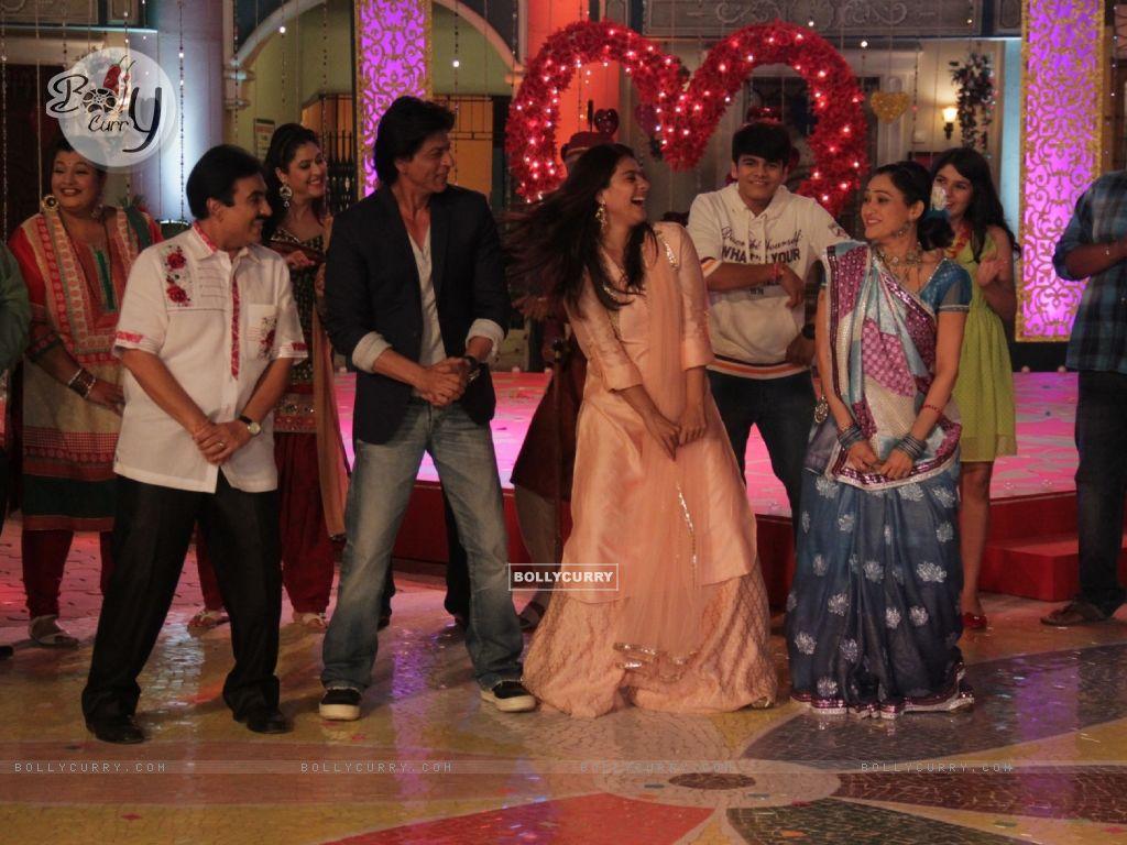 Shah Rukh Khan and Kajol Visits Taarak Mehta Ka Ooltah Chashmah Sets (388112) size:1024x768