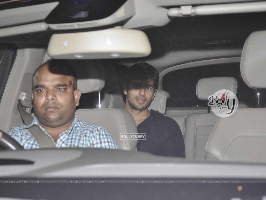 Alia Bhatt and Sidharth Malhotra Snapped at Karan Johar's Office (391410) size:1024x768