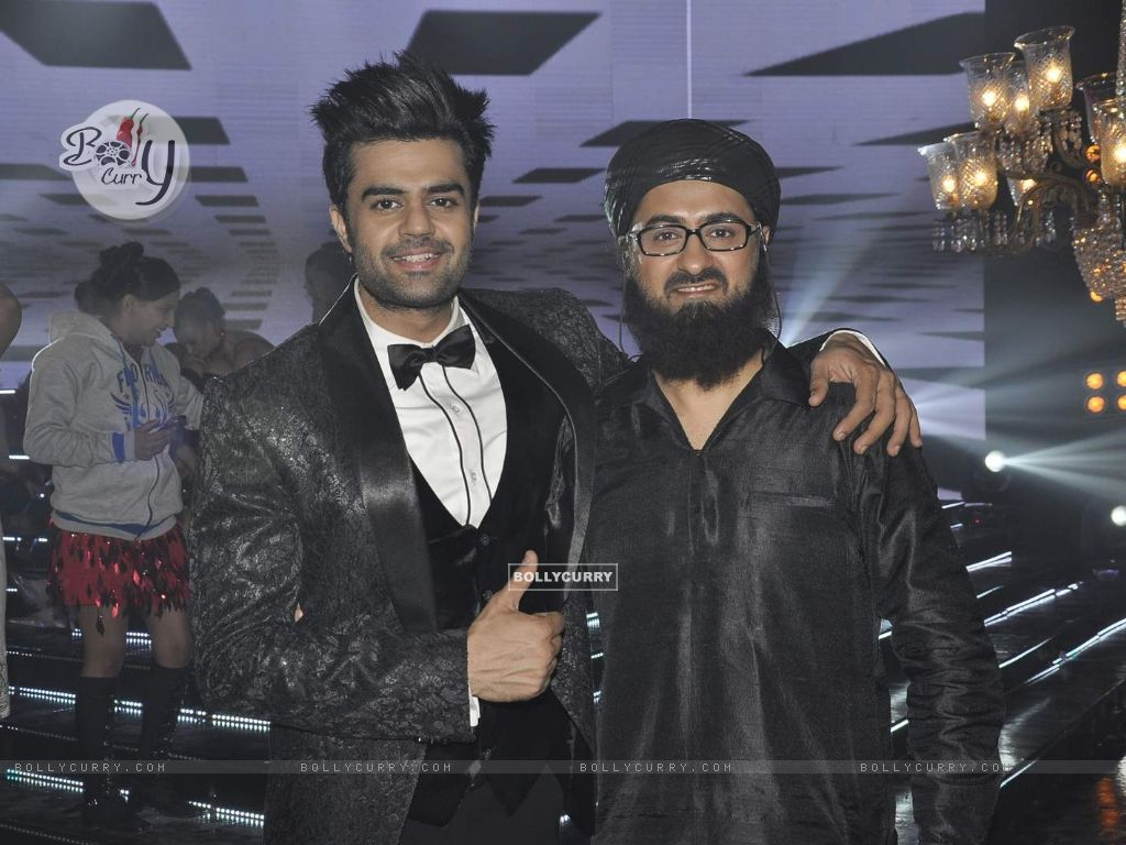 Manish Paul and Pradhuman Singh on Locations of Tere Bin Laden Dead or Alive (392779) size:1024x768