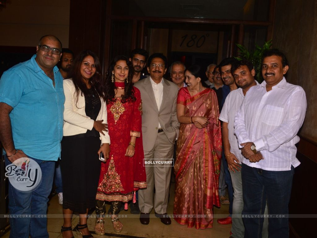 Juhi Chawla With Governor Of Maharashtra At Chalk N Duster Screening (394102) size:1024x768