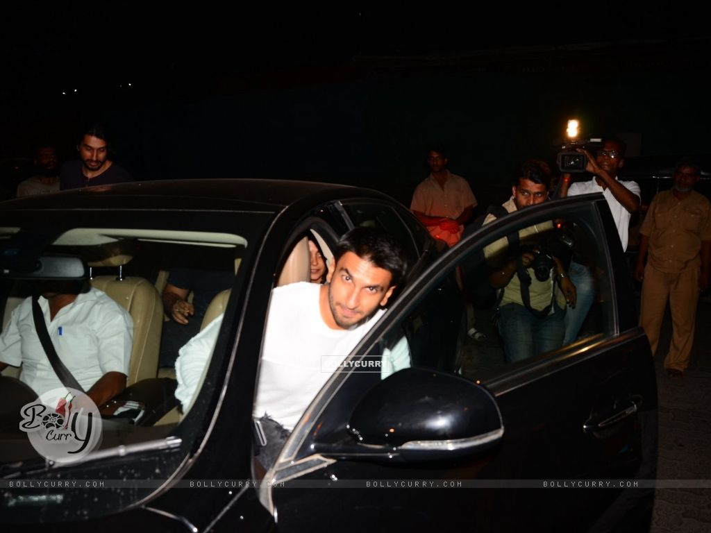 Ranveer Singh Snapped at PVR (398936) size:1024x768
