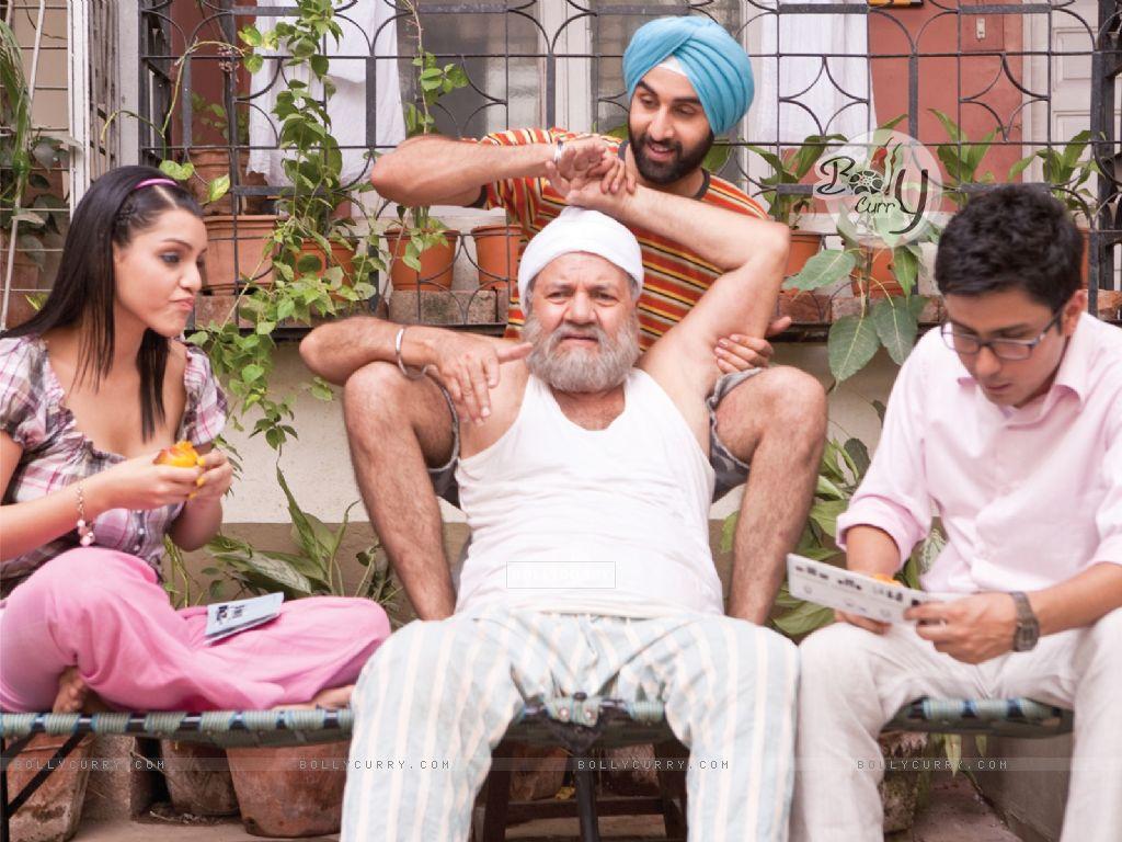 Ranbir Kapoor doing massaging of Prem Chopra (40086) size:1024x768