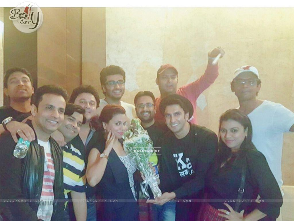 Kapil Sharma Team attends Special Screening of Ki And Ka (401928) size:1024x768