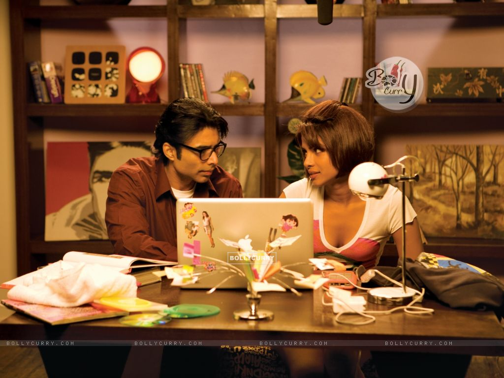 Uday and Priyanka looking in each other eyes (40388) size:1024x768