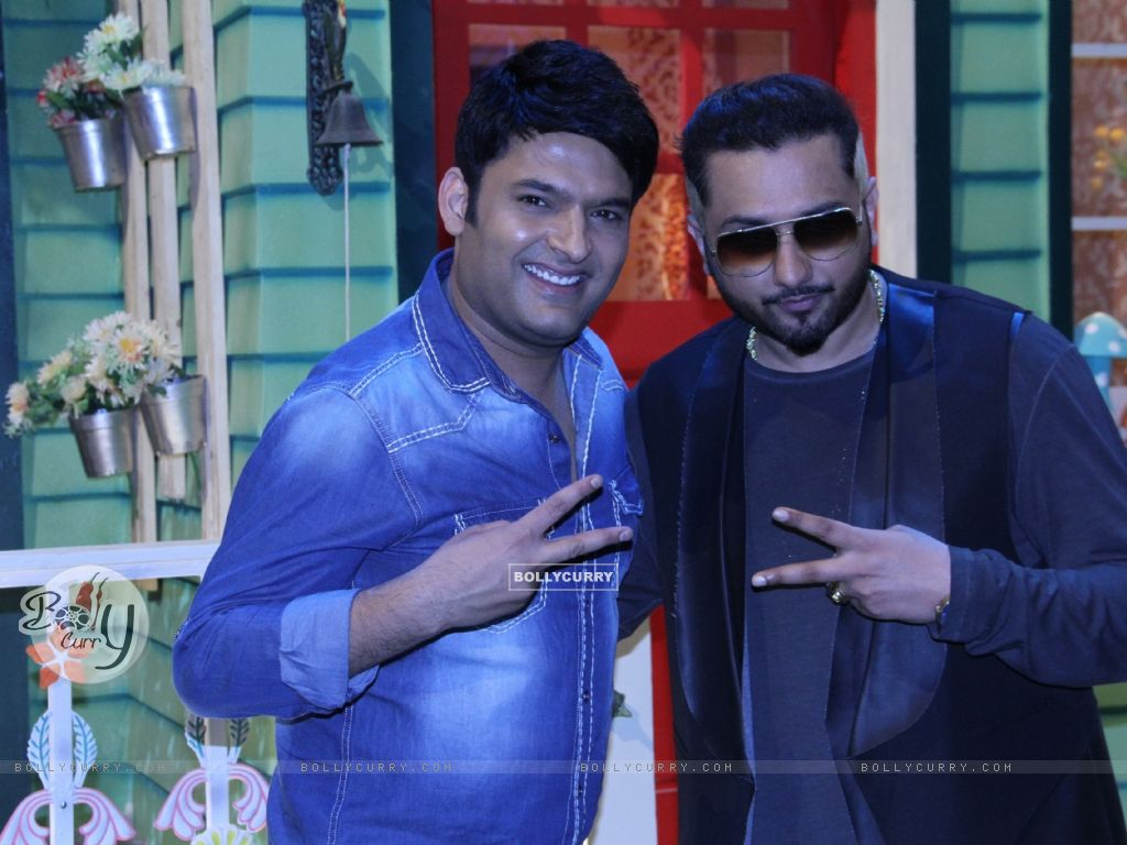 Honey Singh and Kapil Sharma on The Kapil Sharma Show (404573) size:1024x768