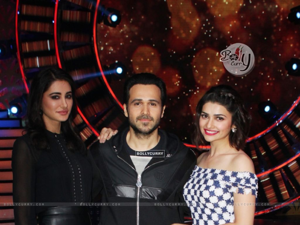 Prachi Desai and Nargis Fakhr with iEmraan Hashmi (405869) size:1024x768