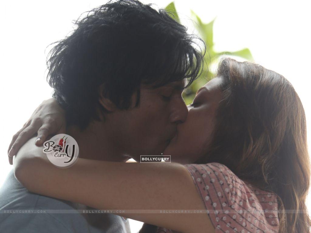 Kajal Aggarwal's first on-screen kiss with Randeep Hooda (406235) size:1024x768