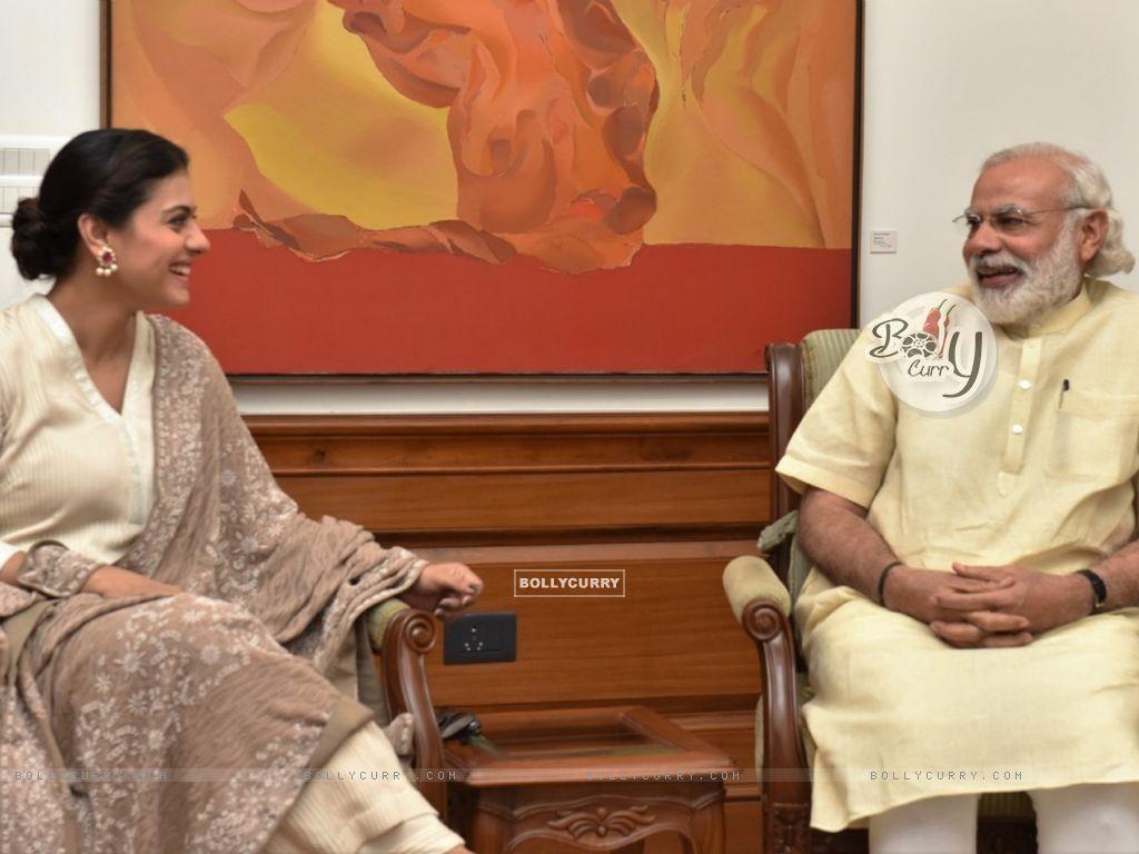 Kajol meets PM. Narendra Modi (406428) size:1024x768