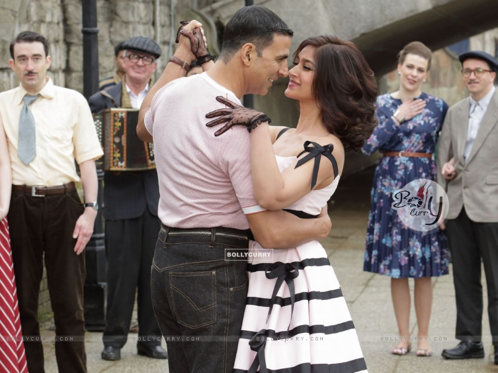 Still from tere sang Yaara from Rustom (411290) size:1024x768