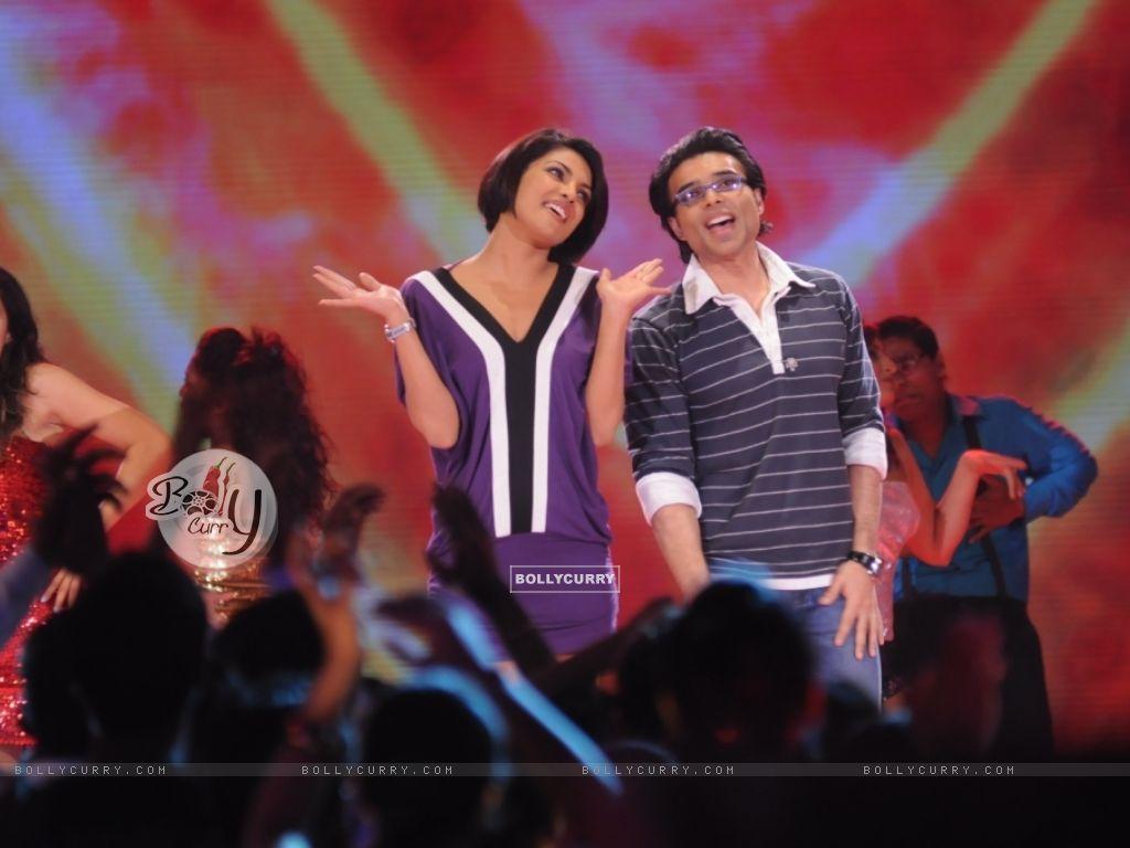 Uday and Priyanka Chopra in Music Ka Maha Muqqabla (41401) size:1024x768