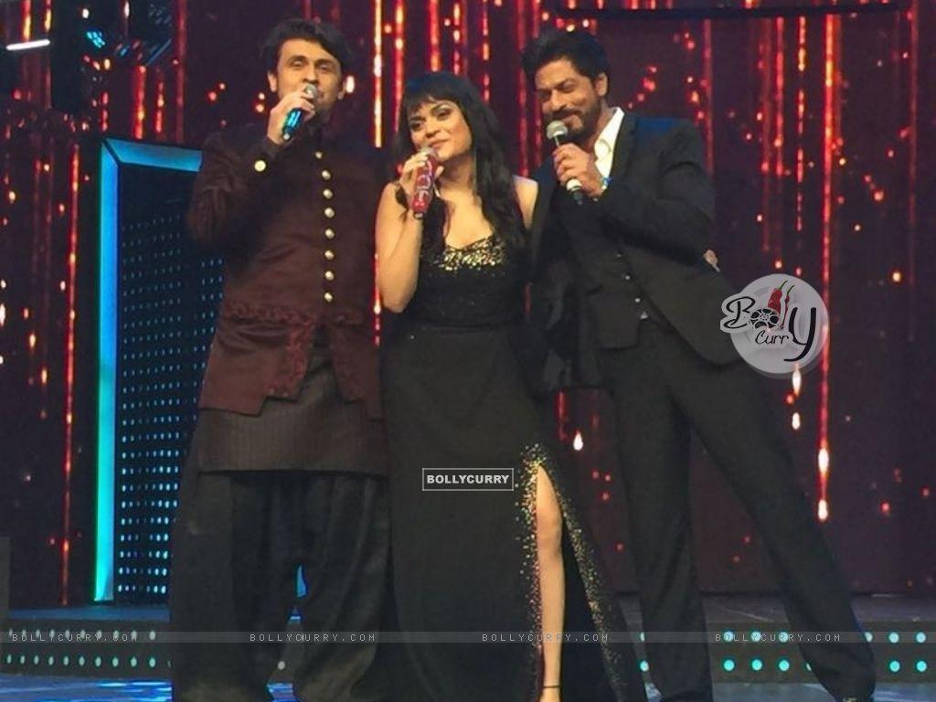 Aditi Singh Sharma with Sonu Niigam and Shah Rukh Khan (421277) size:1024x768