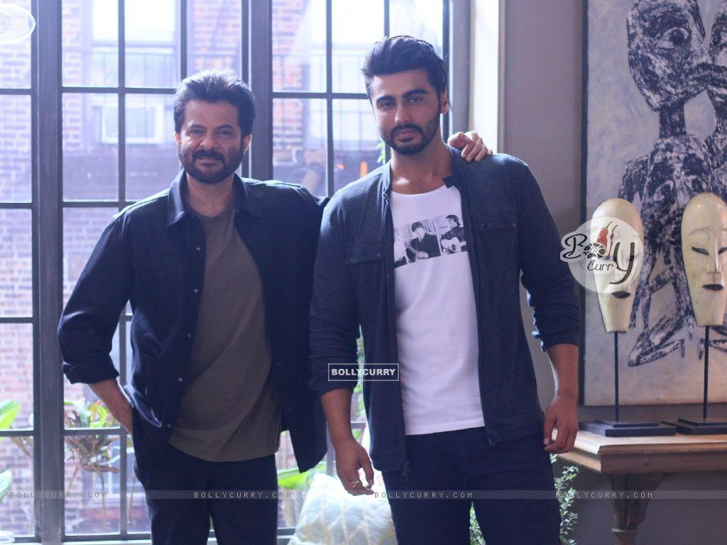 Anil Kapoor with Arjun Kapoor (421494) size:1024x768