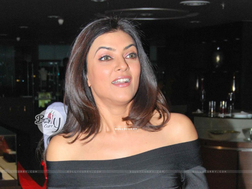 Sushmita Sen - Wallpaper Actress