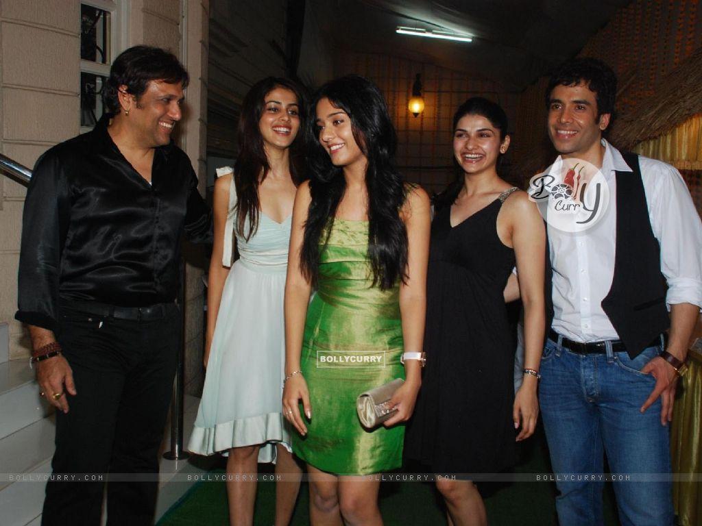 Wallpaper - Bollywood actors Govinda, Amrita Rao, Genelia ... Genelia D Souza In Life Partner