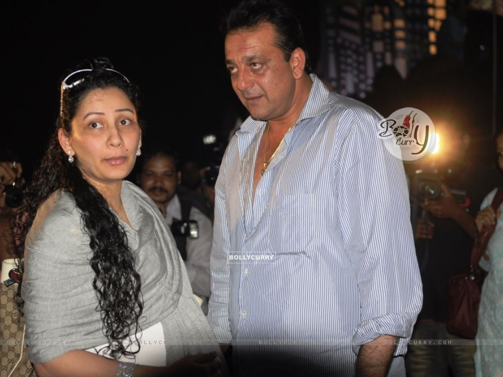 Manyata and Sanjay Dutt on Chotte Ustaad set (99645) size:1024x768