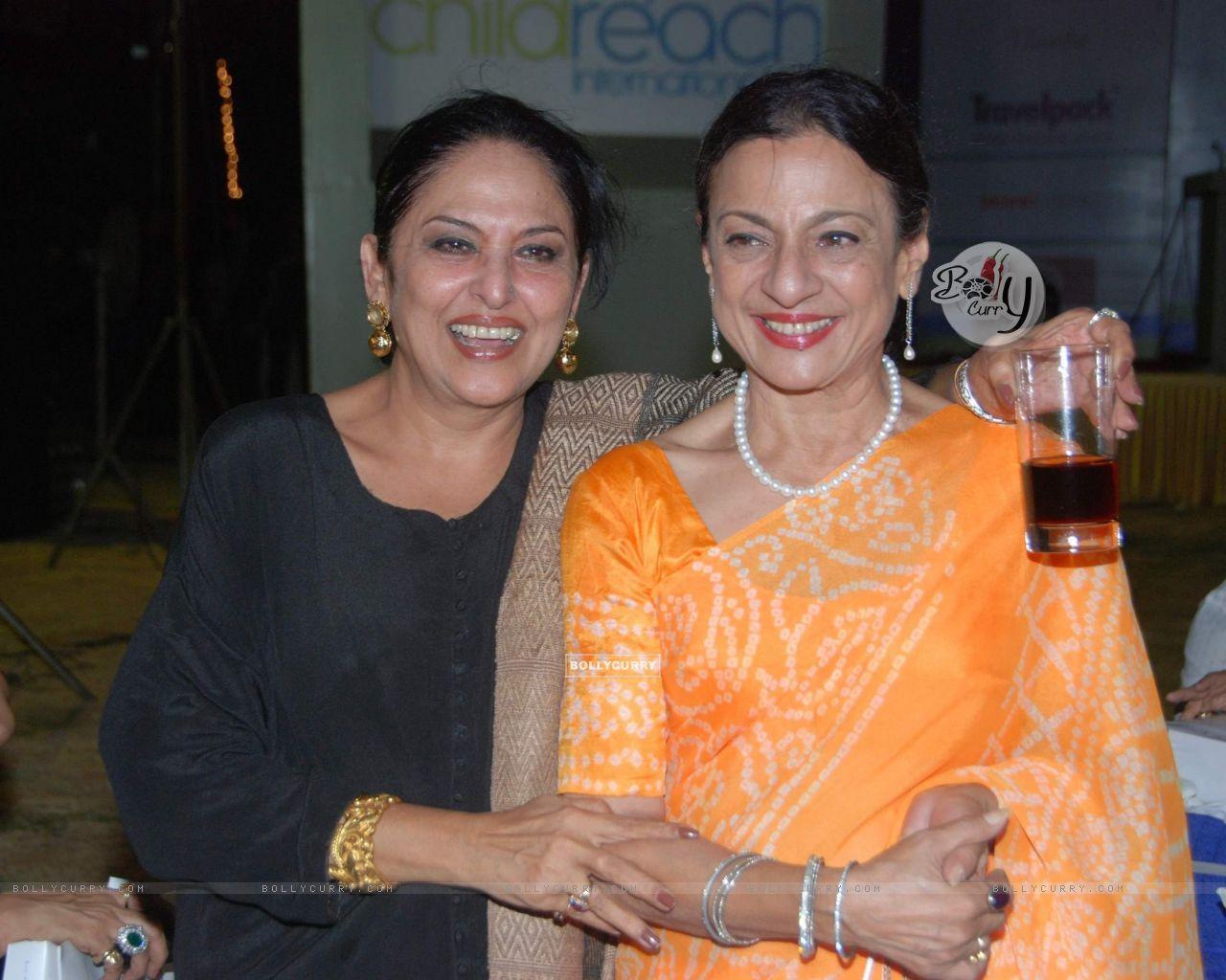 Wallpaper - Tanuja Mukherjee and Anju Mahendroo at Child ...