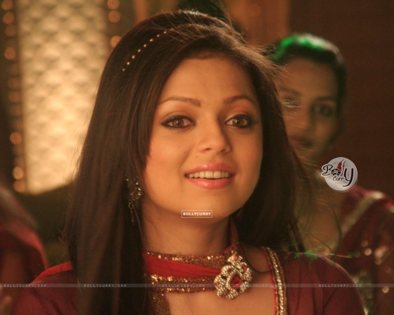 Drashti Dhami as Geet (117216) size:1280x1024