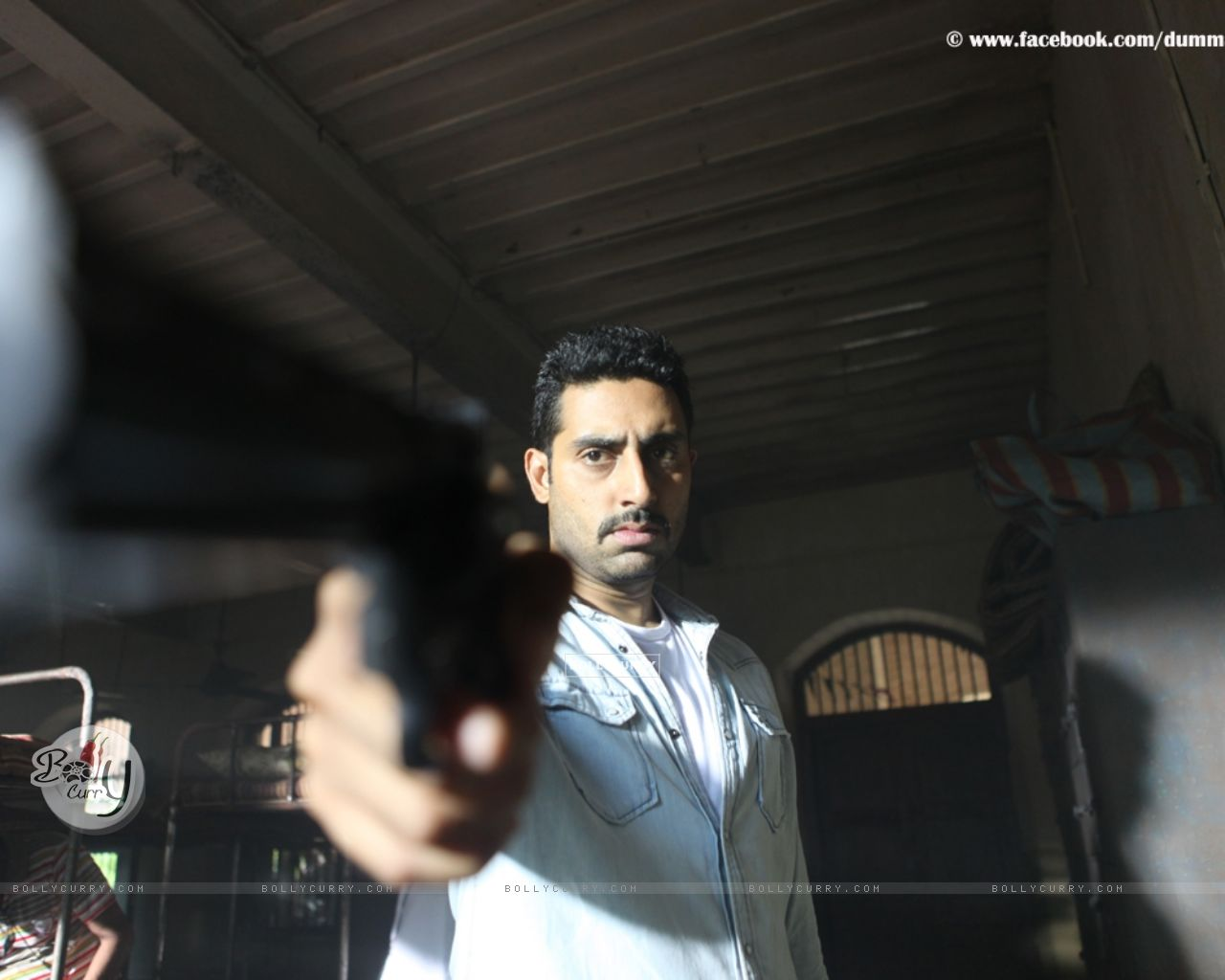 Abhishek Bachchan in the movie Dum Maaro Dum (124927) size:1280x1024