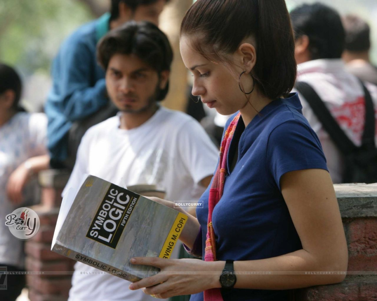 Kalki Koechlin reading a book (12519) size:1280x1024