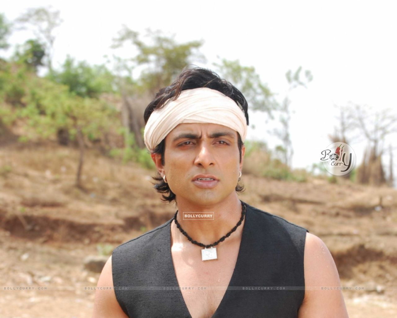 Sonu Sood with a ball in his hand (12612) size:1280x1024