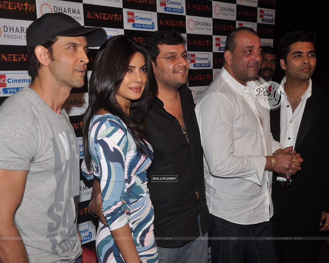 wallpaper - hrithik roshan, sanjay dutt, priyanka chopra and karan