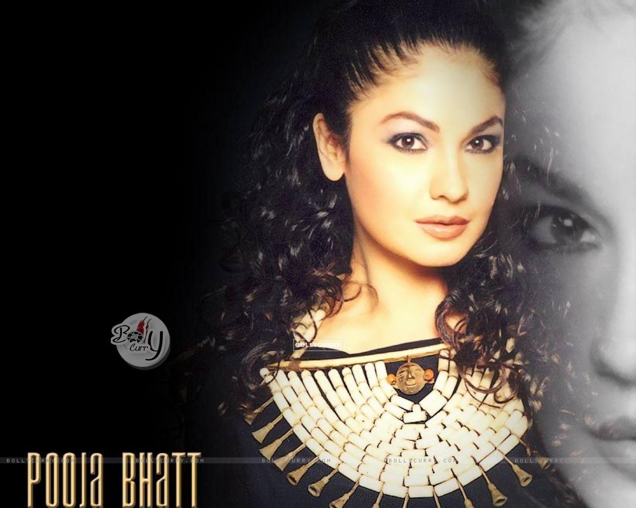 Pooja Bhatt - Images