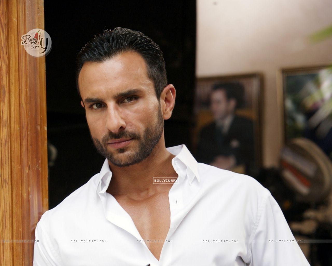 Saif Ali Khan as Vinod in the movie Agent Vinod (181829) size:1280x1024