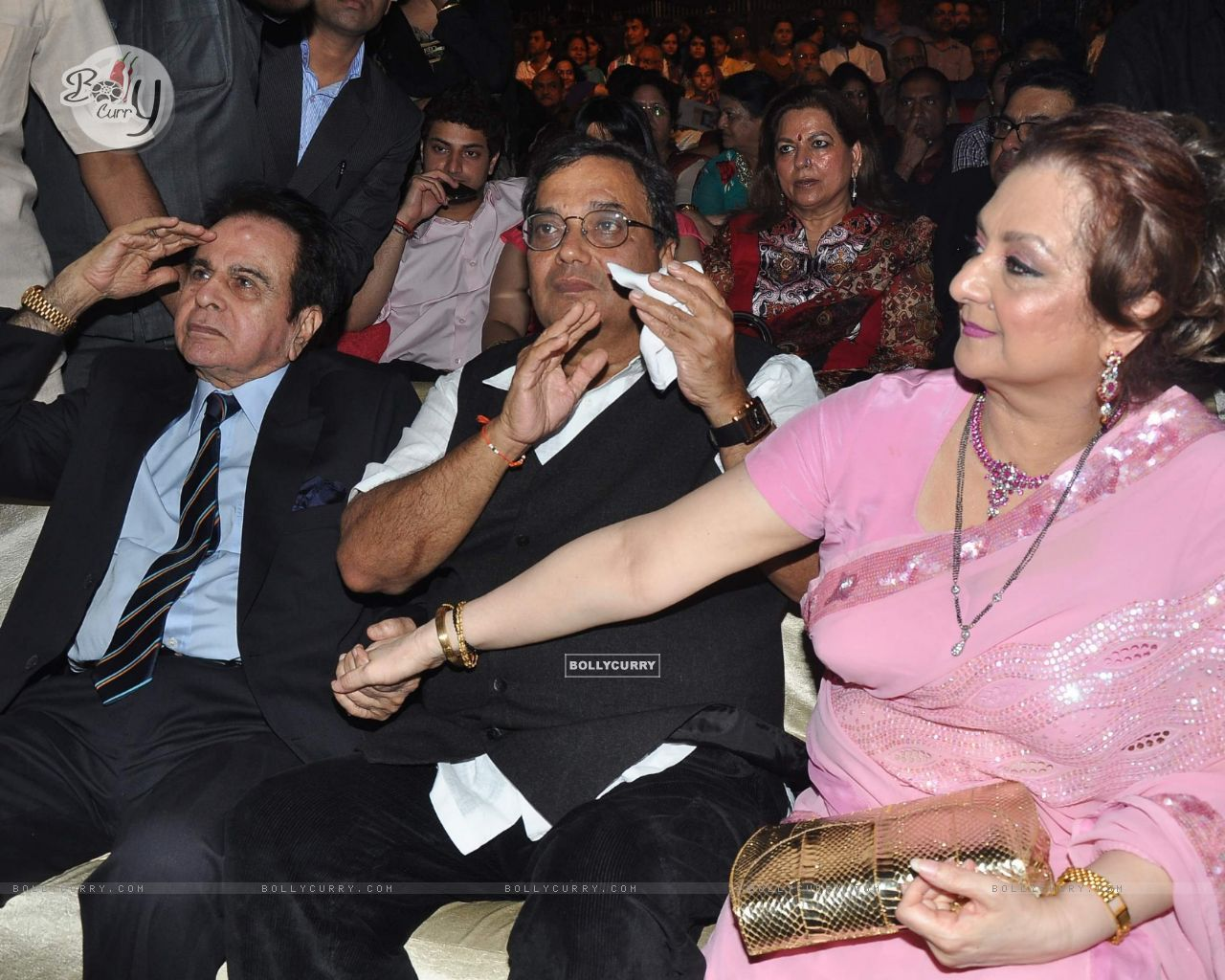 Dilip Kumar, Subhash Ghai and Saira Banu at Dadasaheb Phalke Academy Awards in Mumbai (196140) size:1280x1024