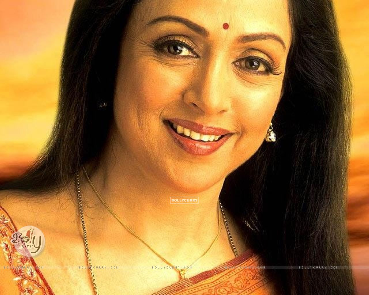 Hema Malini - Wallpaper Gallery