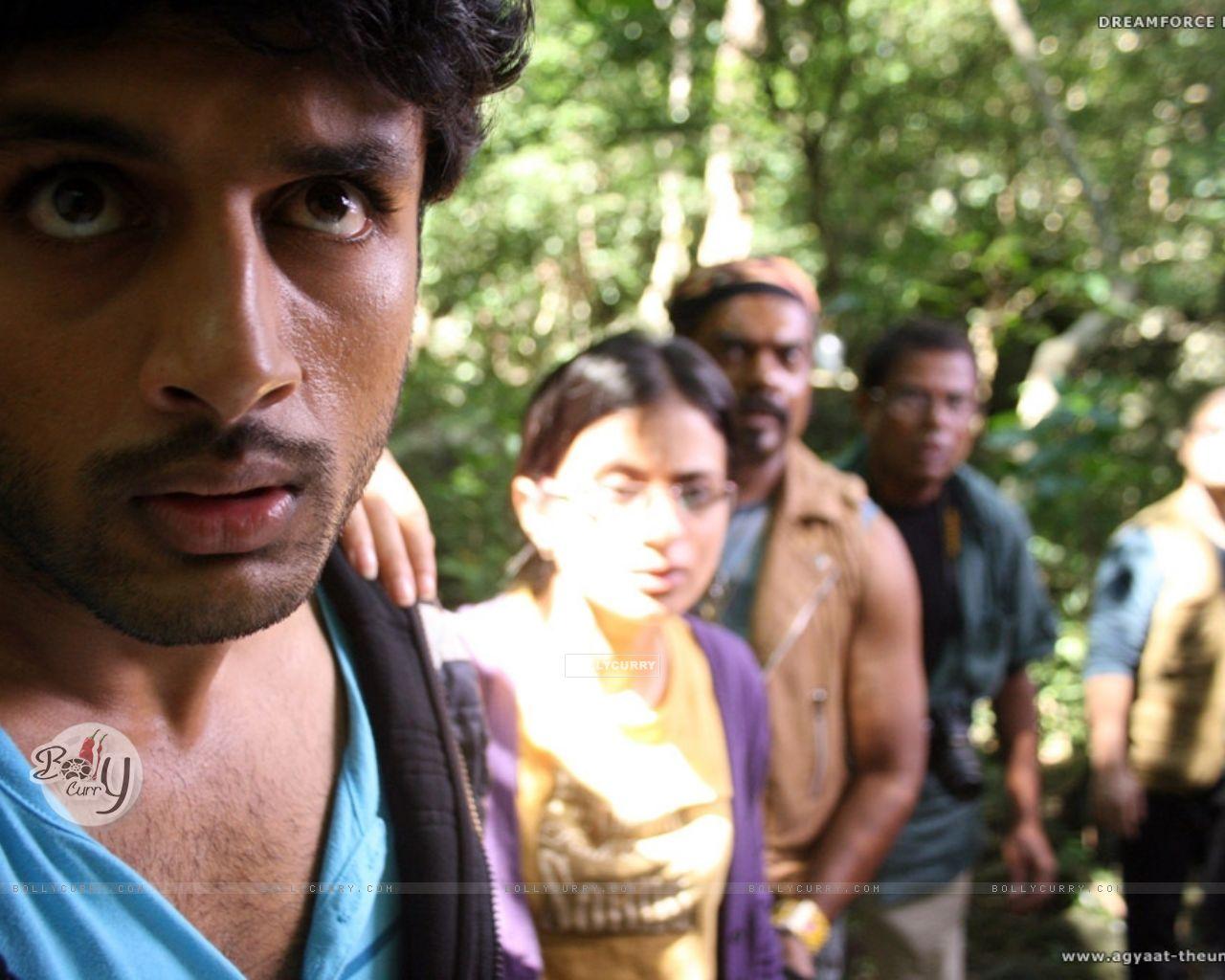Nitin,Rasika,Kali and Ravi looking shocked (20384) size:1280x1024