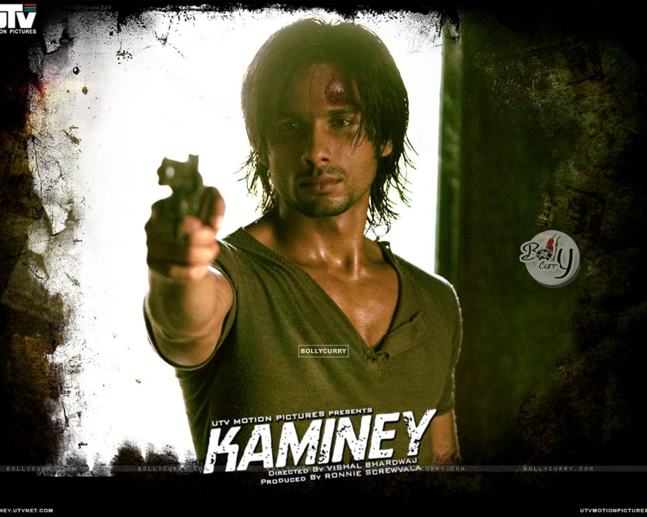 Shahid Kapoor holding a gun in movie Kaminey (20542) size:1280x1024